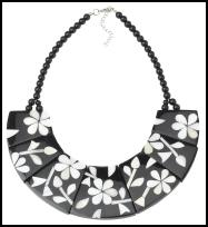 Accessorize Spring/Summer 2009 Mahiki black/white Collar Necklace �16 (�27 Eire).