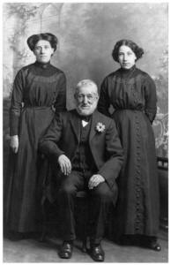 Mourning clothes - Photo of Weddell Family 1913