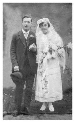 1921 wedding couple