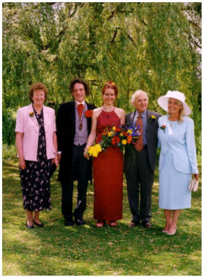 A Modern Wedding for Paul and Wendy in 1999