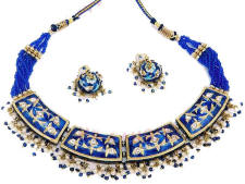 Beautiful Indian fashion jewellery necklace and earrings from Venkatraman Jewels of Jaipur India.