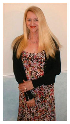 "Pauline wearing 18"" Clip-in Hair Extensions without trimming."