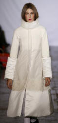 Catwalk Trapeze Line Padded White Coat - Mizrahi  - 2007 Fashion History.
