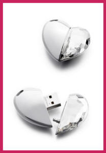 Phillips Swarovski Crystal Heart USB Stick Christmas 2007 Harrods Ltd.