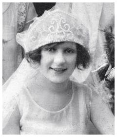 Fashion History at Fashion-era - Old Wedding photos - Katherine Hoiditz's 1927 Photo of Pearl Mitre Headdress Bridal Veil