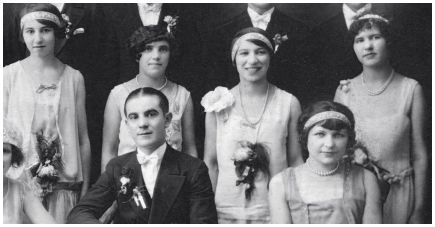 Old wedding photo - 1927 Bridesmaids - Corsage & Headbands